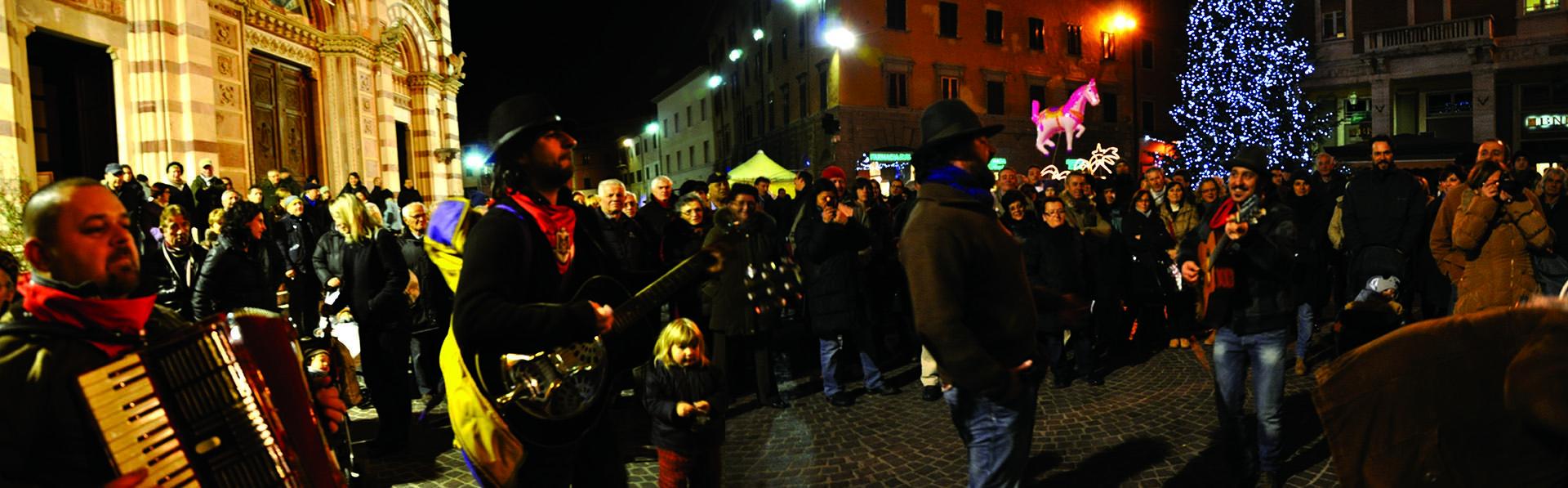 grosseto_befana_briganti_di_maremma_piazza duomo